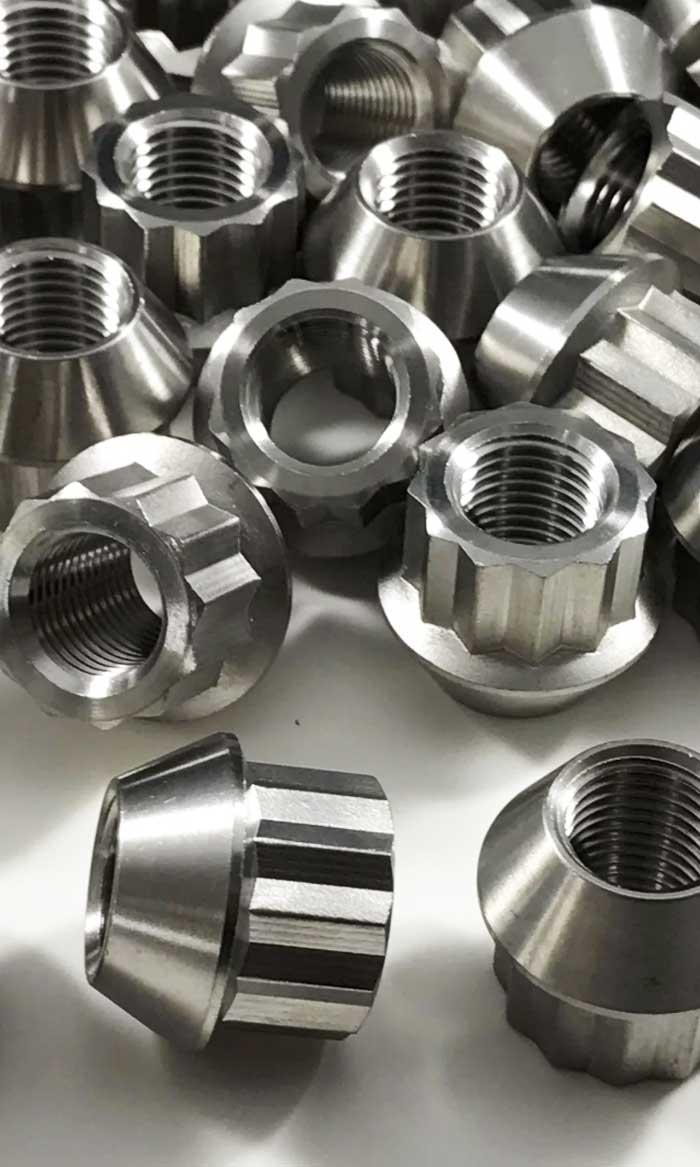 titanium-lug-bolts